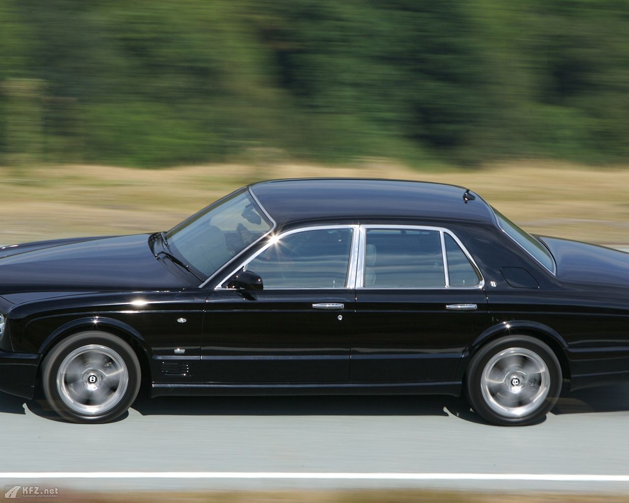 bentley-arnage-1280x1024-17