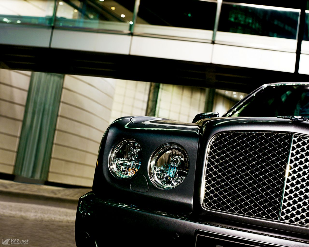 bentley-arnage-1280x1024-9