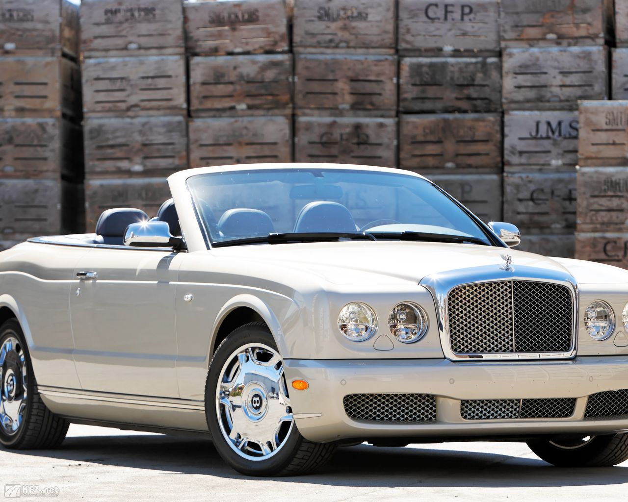 bentley-azure-1280x1024-11