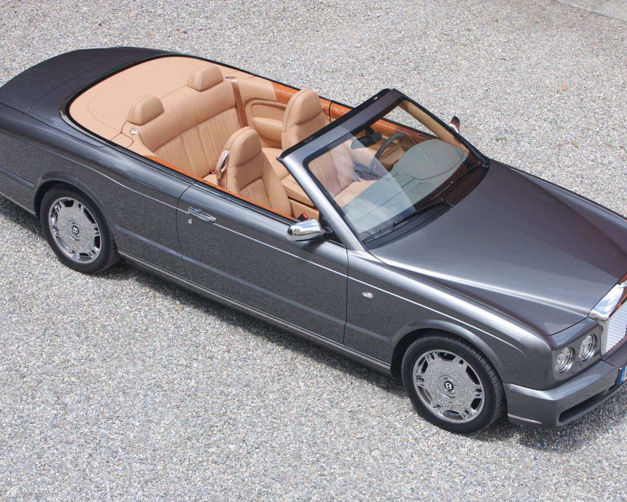 bentley-azure-1280x1024-13