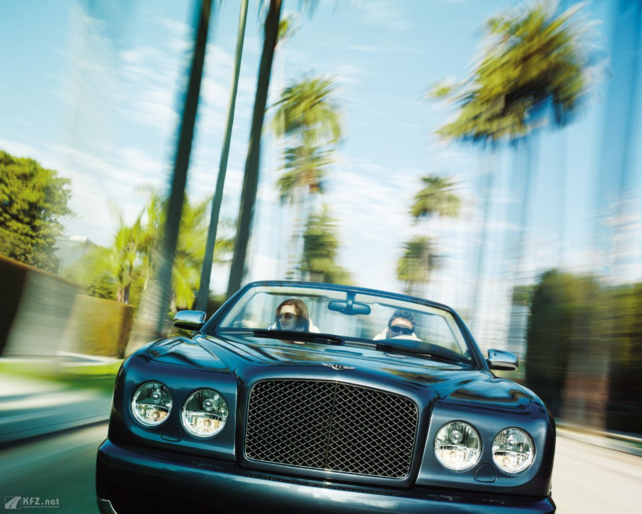 bentley-azure-1280x1024-4
