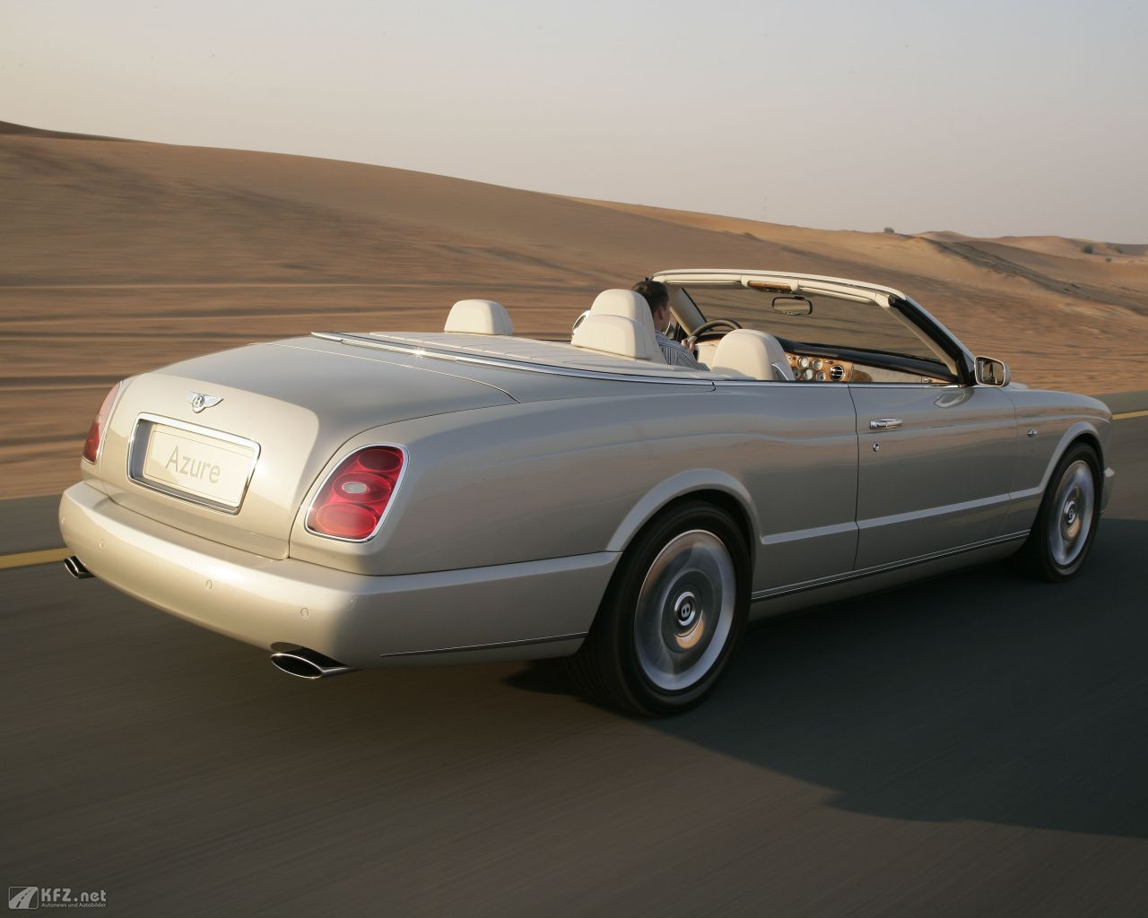 bentley-azure-1280x1024-8