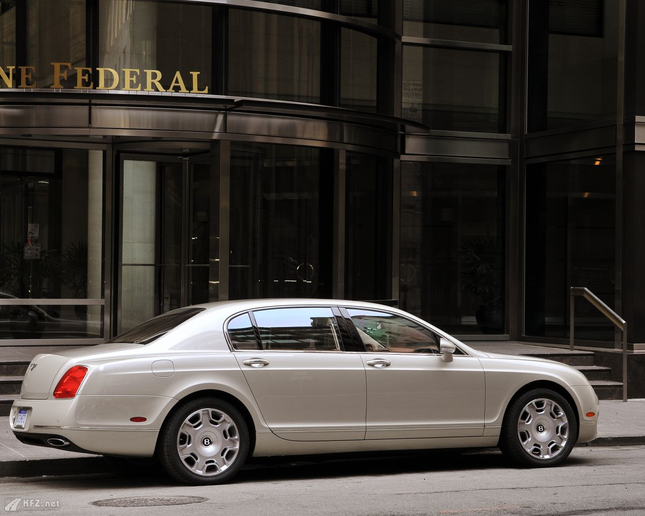 bentley-continental-1280x1024-7
