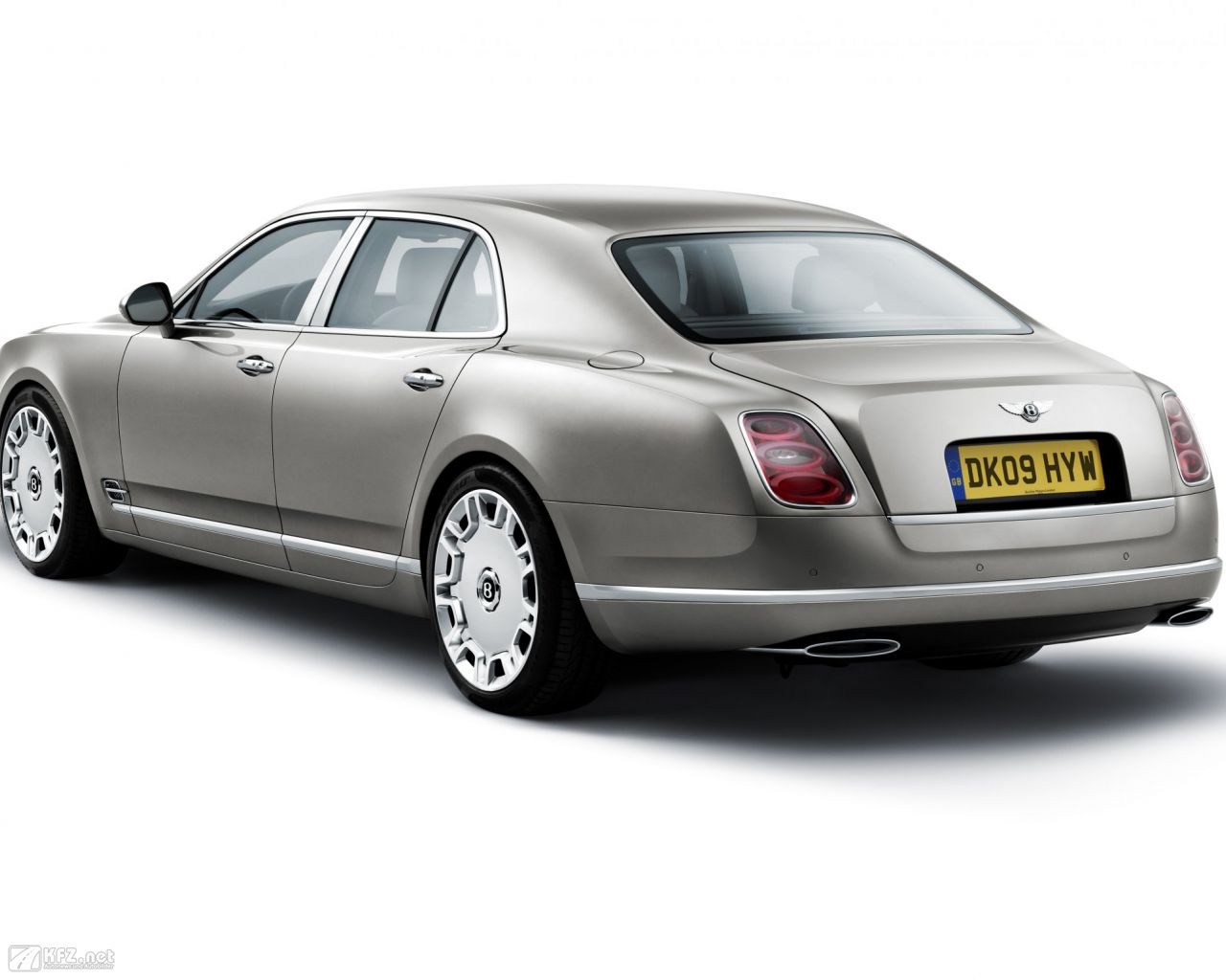 bentley-mulsanne-1280x1024-10