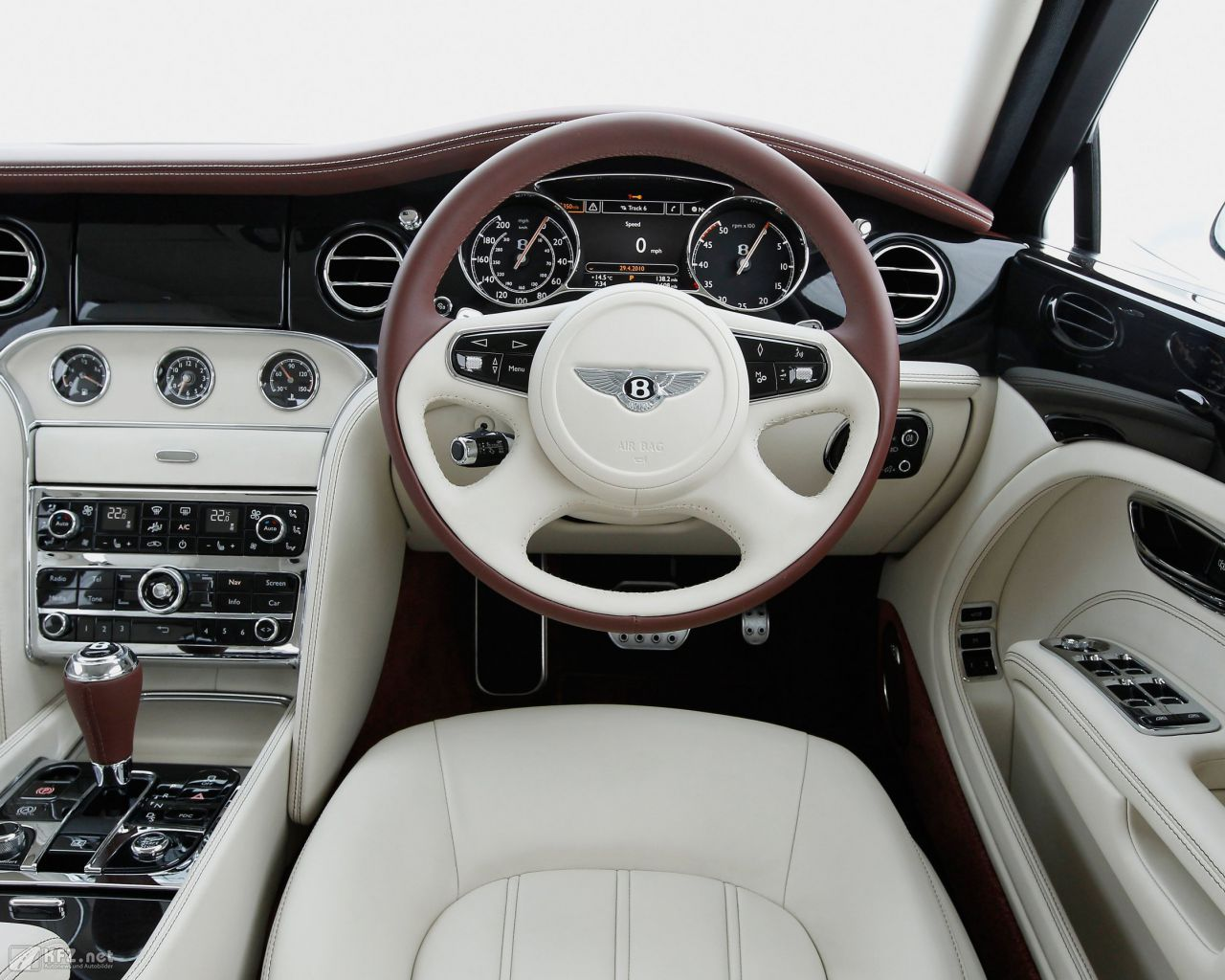 bentley-mulsanne-1280x1024-14