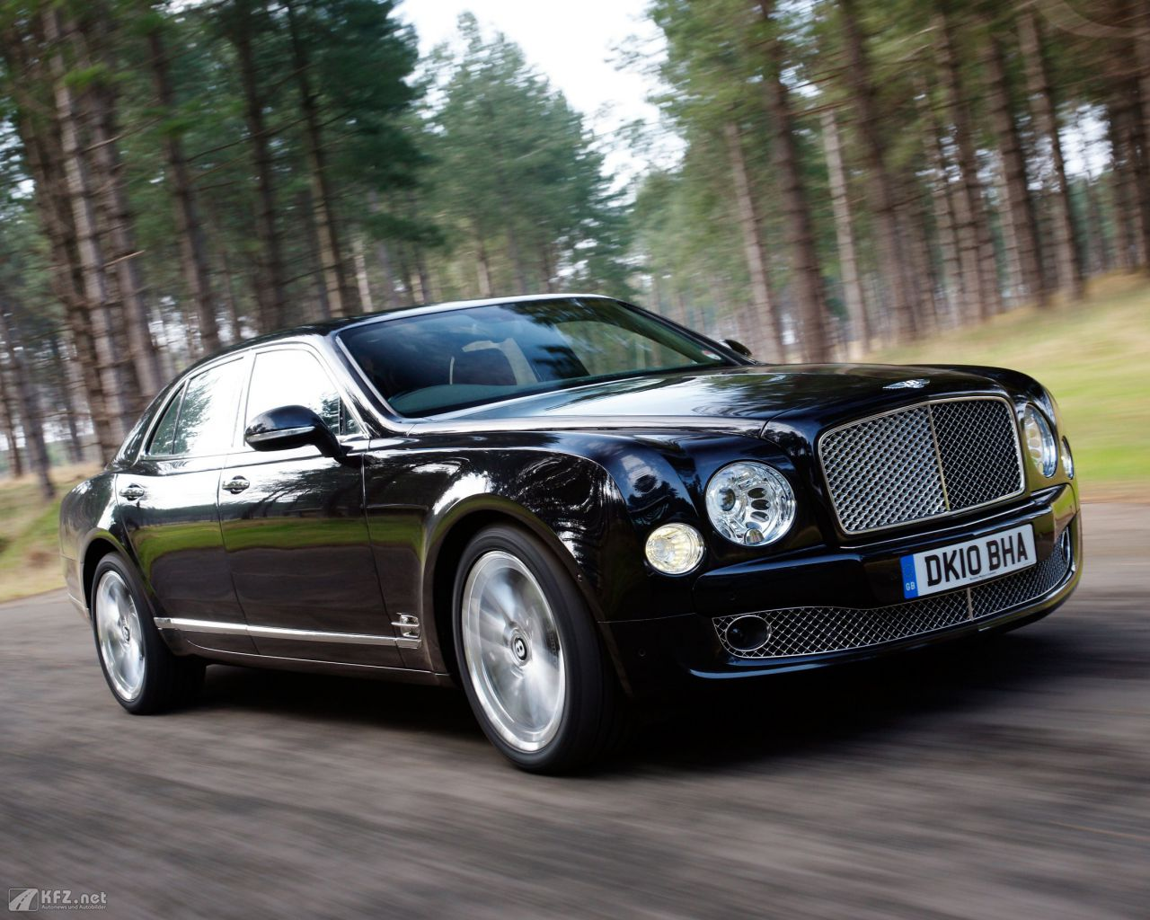 bentley-mulsanne-1280x1024-15