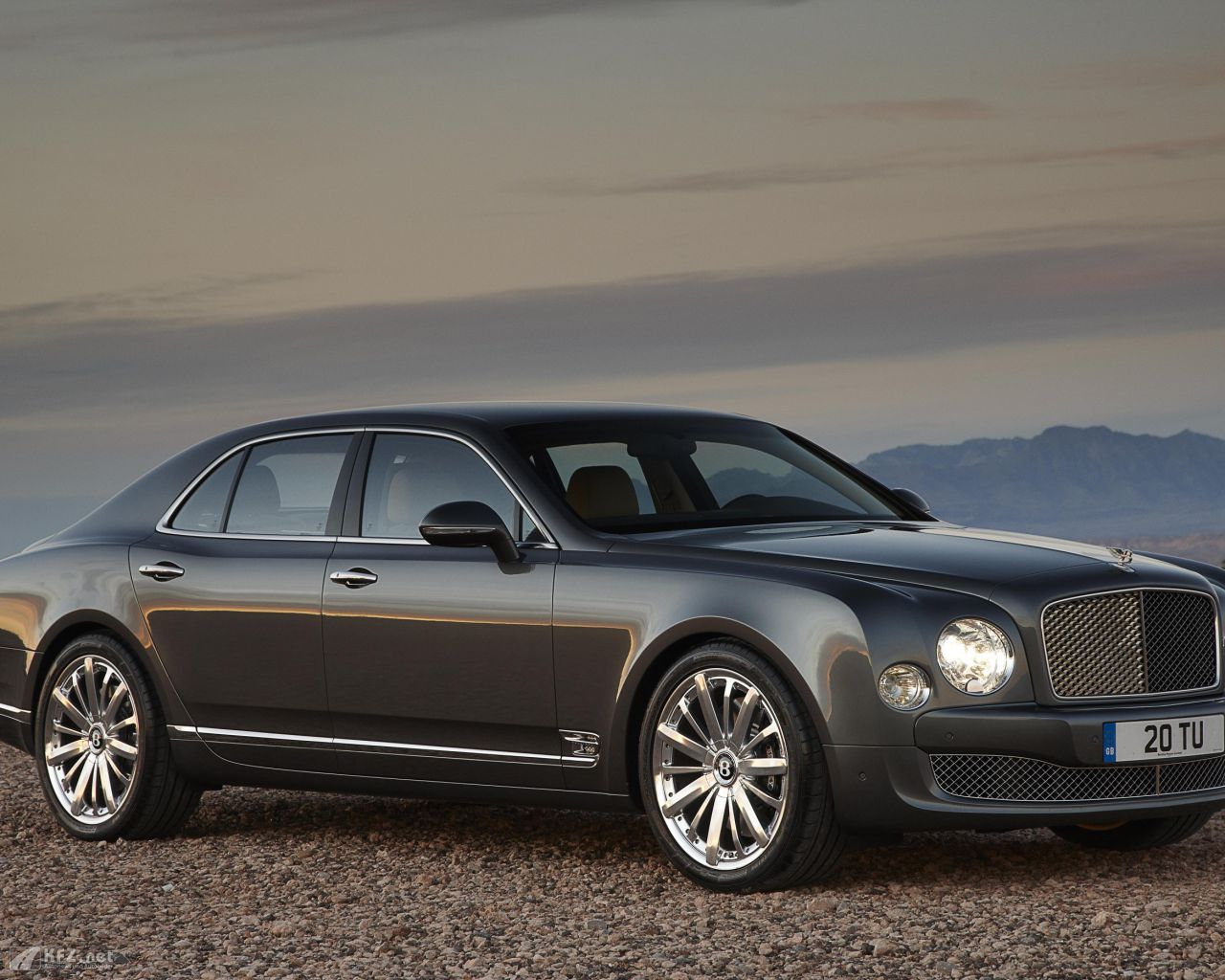 bentley-mulsanne-1280x1024-18