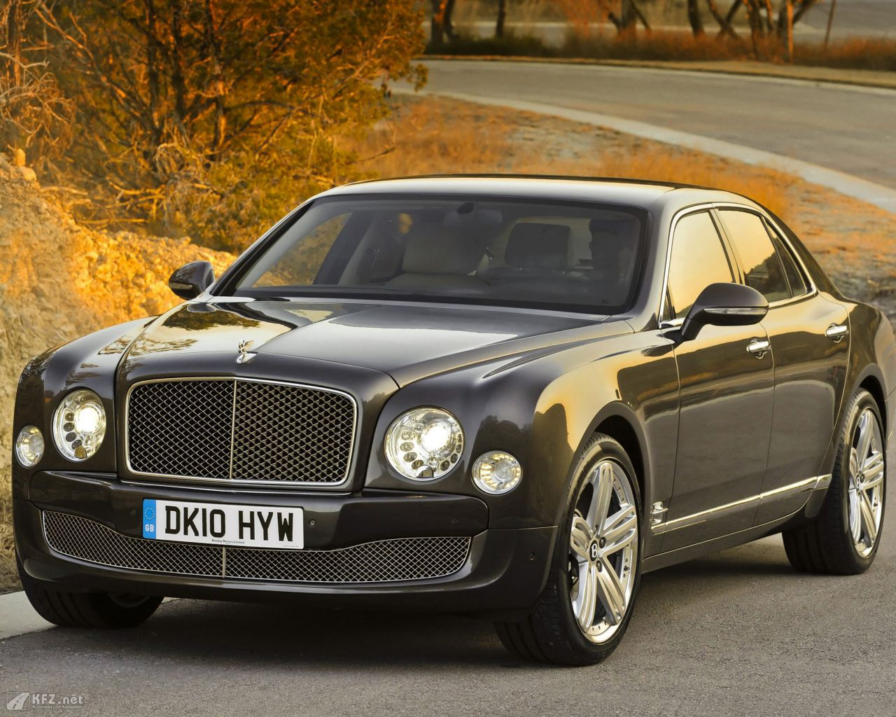 bentley-mulsanne-1280x1024-3