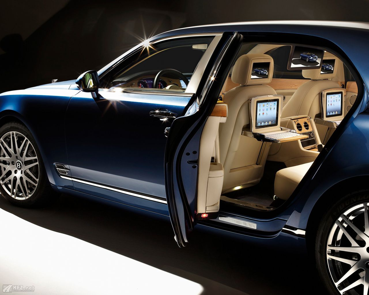 bentley-mulsanne-1280x1024-6