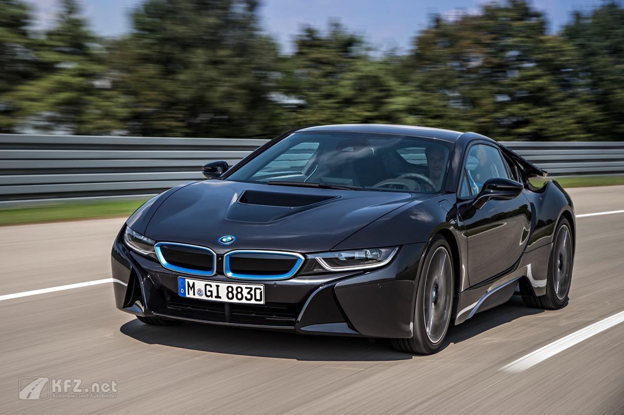 bmw i8 bilder ein plugin hybrid mit carbon karosserie. Black Bedroom Furniture Sets. Home Design Ideas