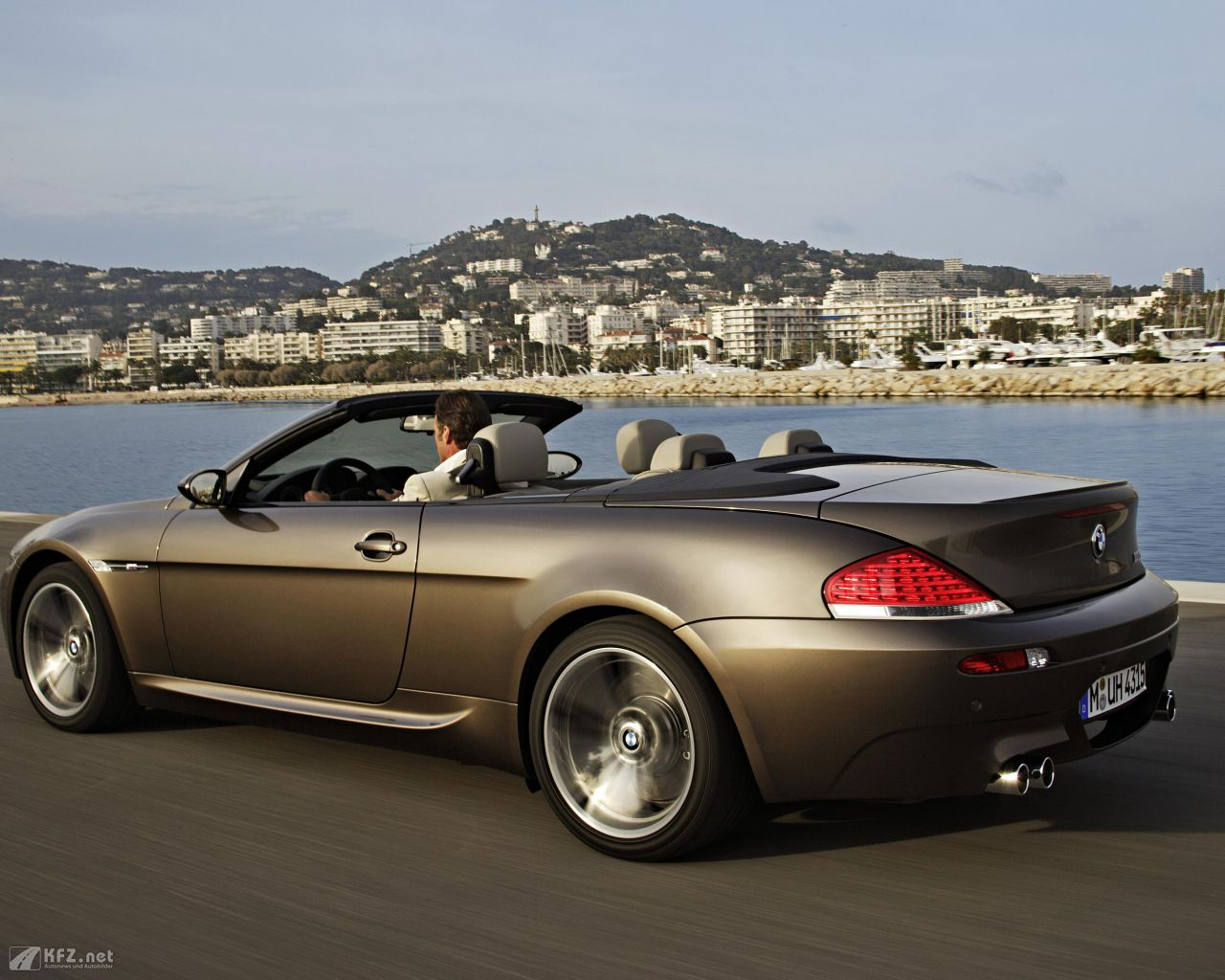 bmw m6 bilder das zehn zylinder cabrio mit 500 ps. Black Bedroom Furniture Sets. Home Design Ideas