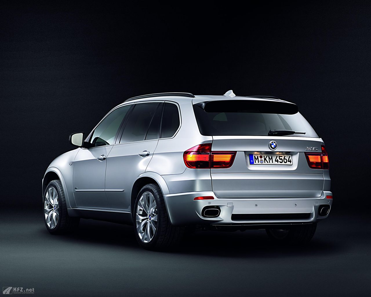 bmw x5 bilder ein sav sports activity vehicle aus m nchen. Black Bedroom Furniture Sets. Home Design Ideas