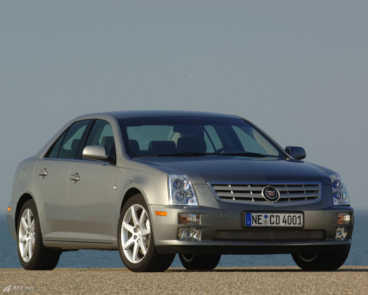 cadillac-sts-1280x1024-11