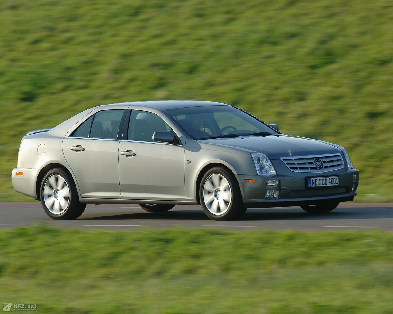 cadillac-sts-1280x1024-14