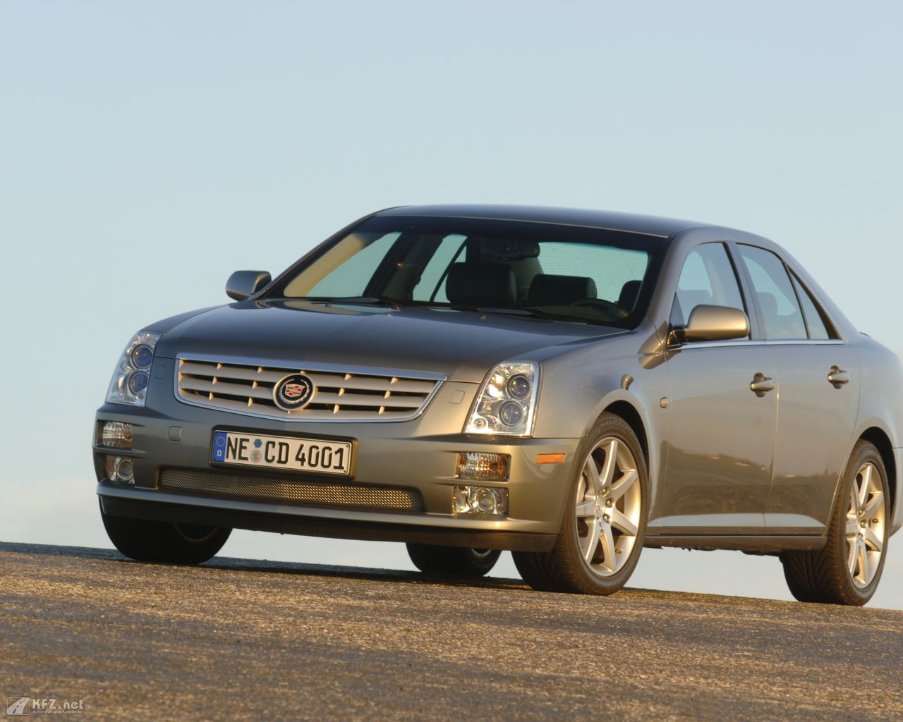 cadillac-sts-1280x1024-5