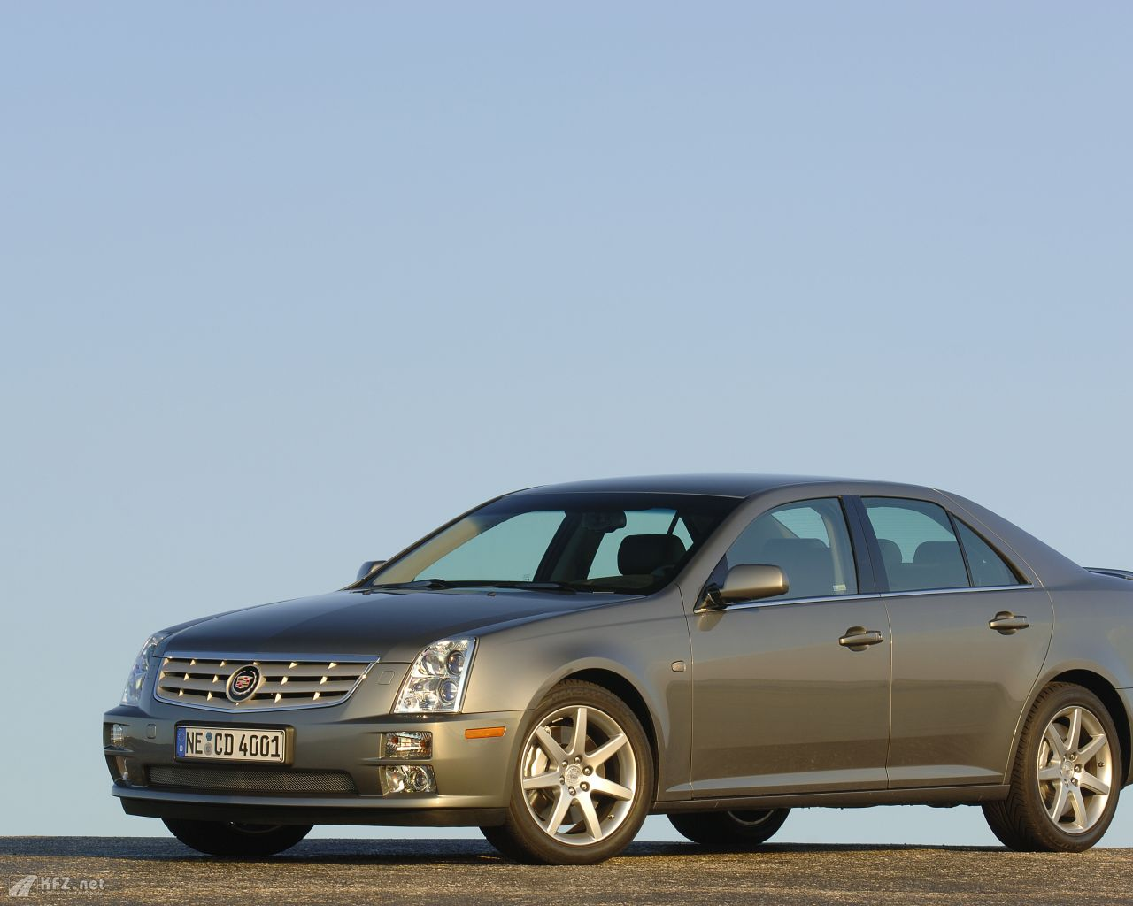 cadillac-sts-1280x1024-7