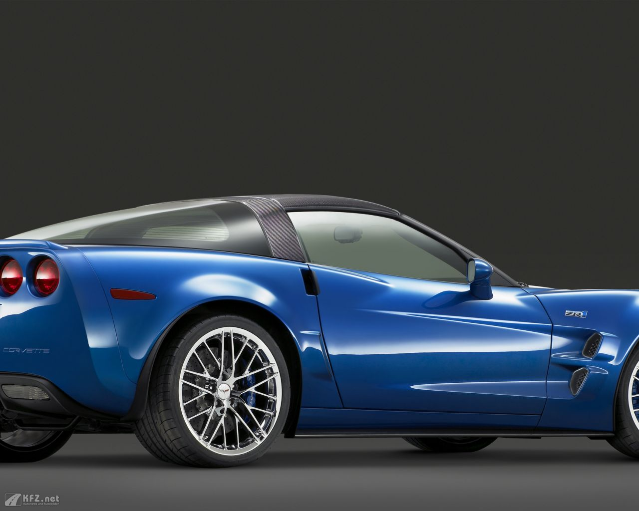 chevrolet-corvette-1280x1024-11