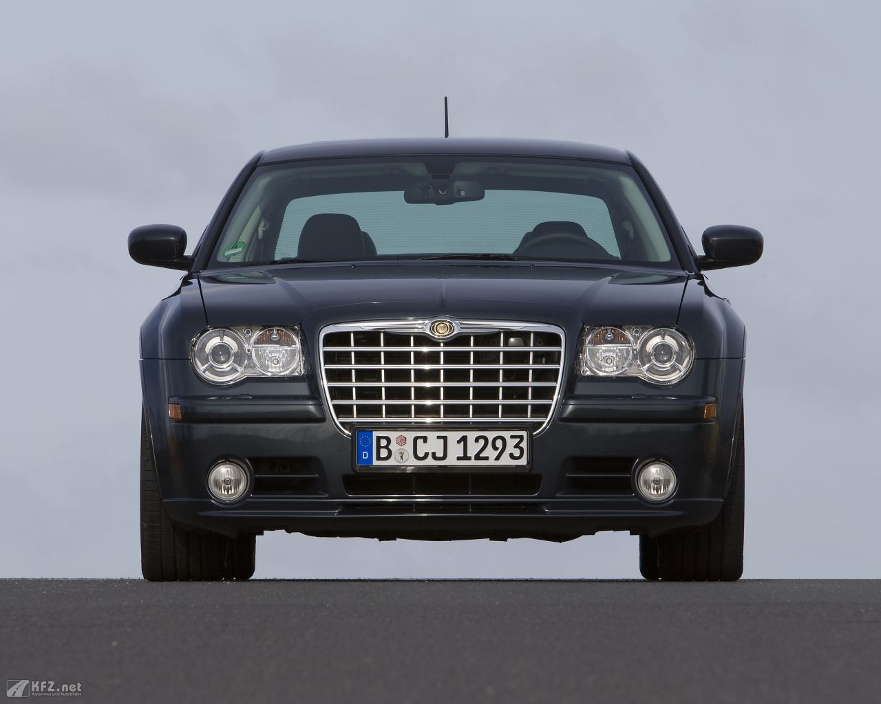 chrysler-300c-1280x1024-151