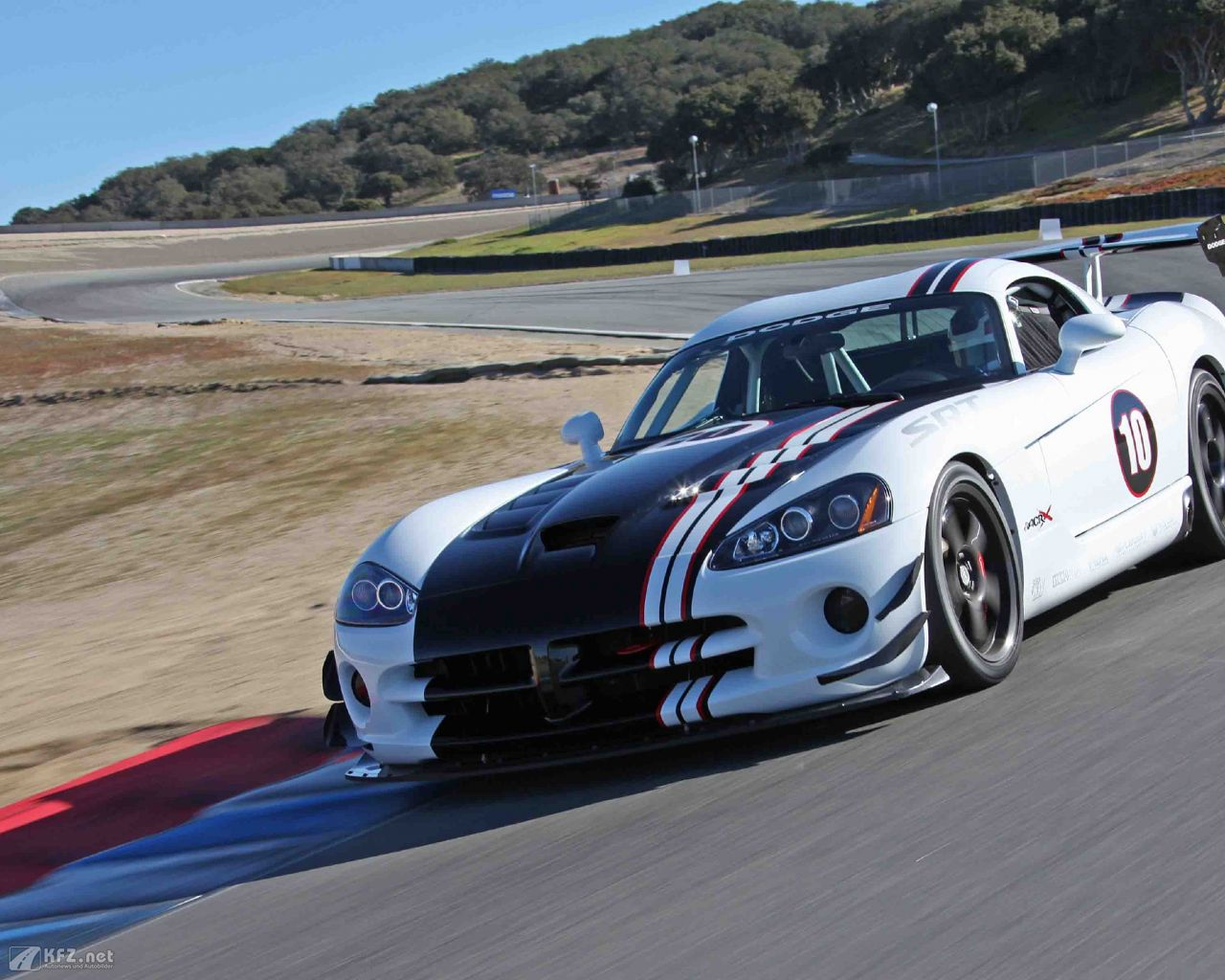 chrysler-dodge-viper-1280x1024-16