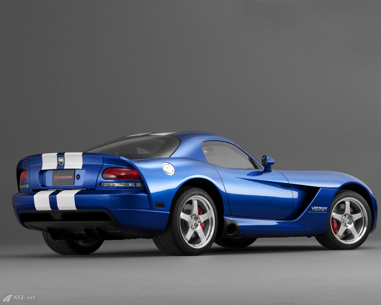 chrysler-dodge-viper-1280x1024-2