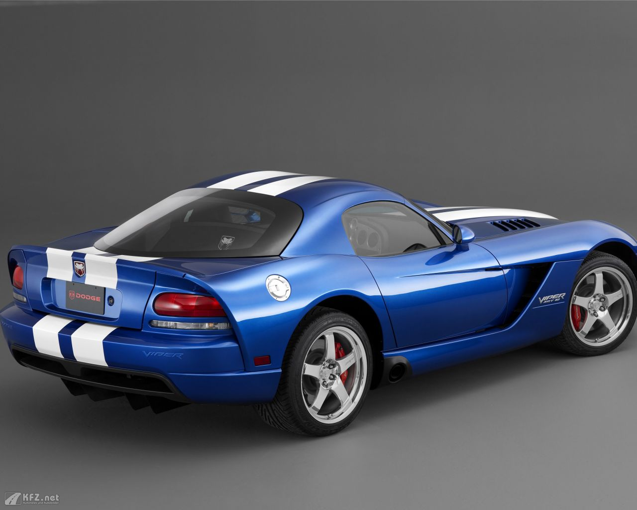 chrysler-dodge-viper-1280x1024-3