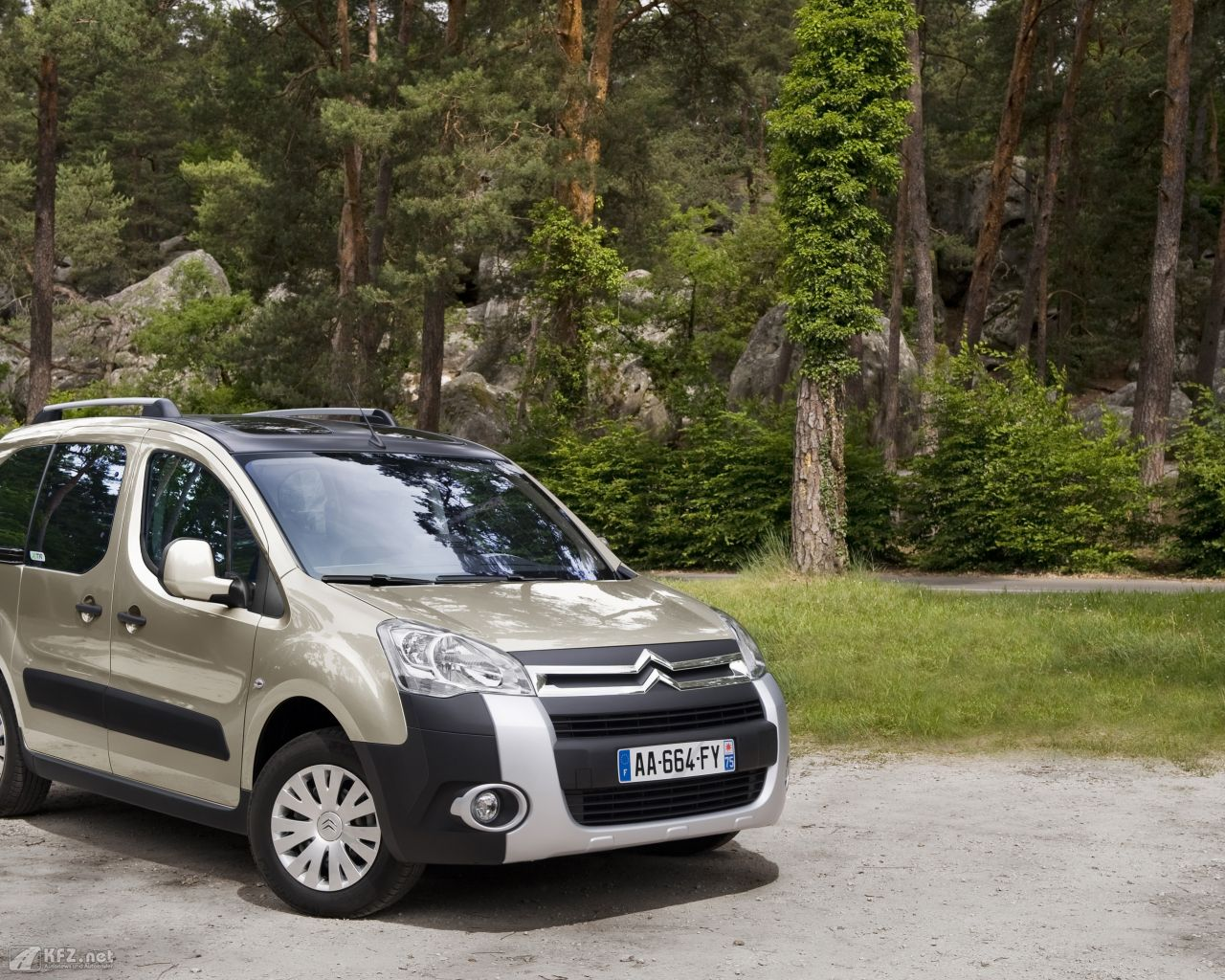 citroen-berlingo-1280x1024-101