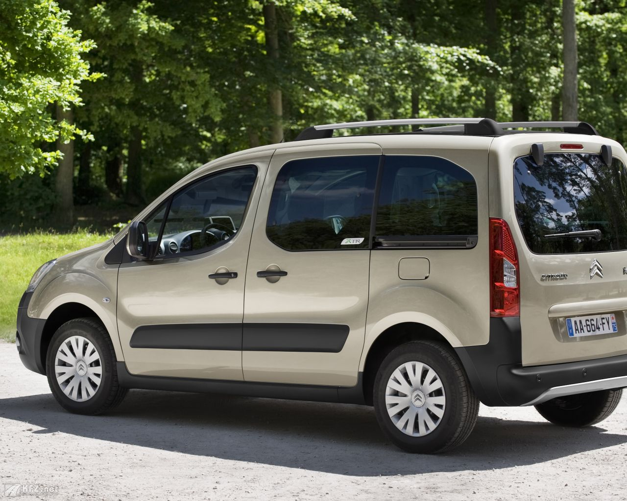 citroen-berlingo-1280x1024-121