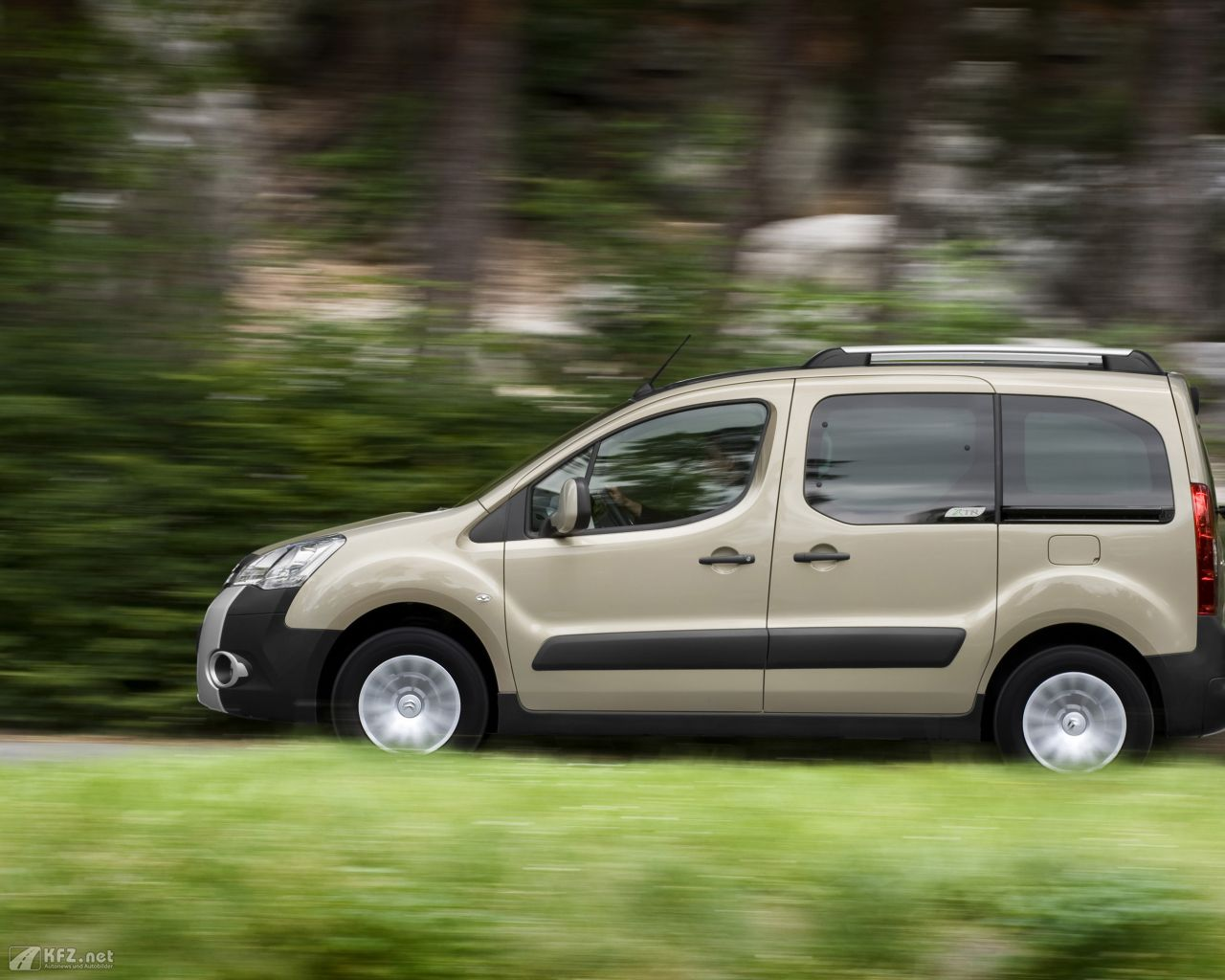 citroen-berlingo-1280x1024-131