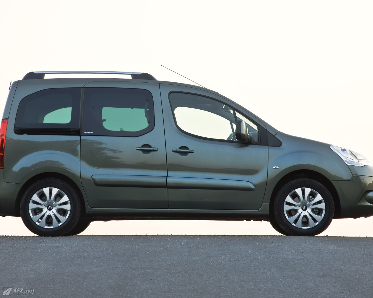 citroen-berlingo-1280x1024-151