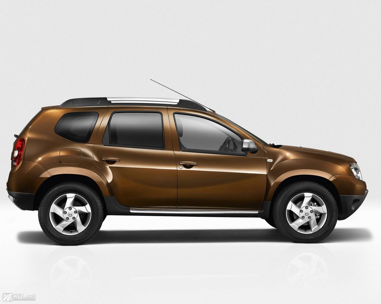 dacia duster bilder der g nstige suv. Black Bedroom Furniture Sets. Home Design Ideas