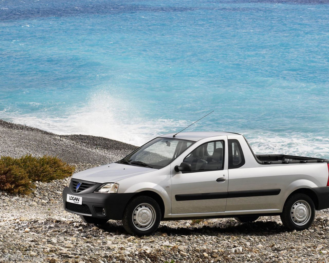 dacia-pick-up-1280x1024-141