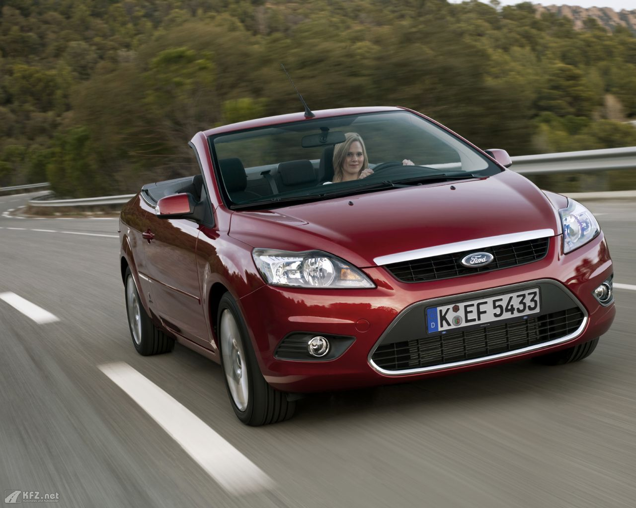 ford-focus-1280x1024-14