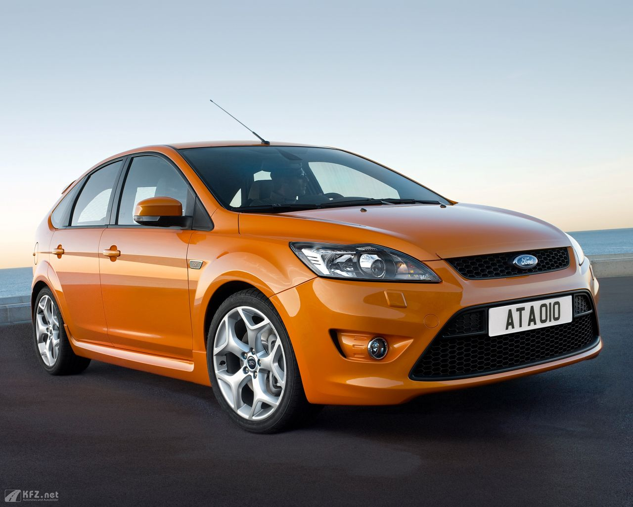 ford-focus-1280x1024-16