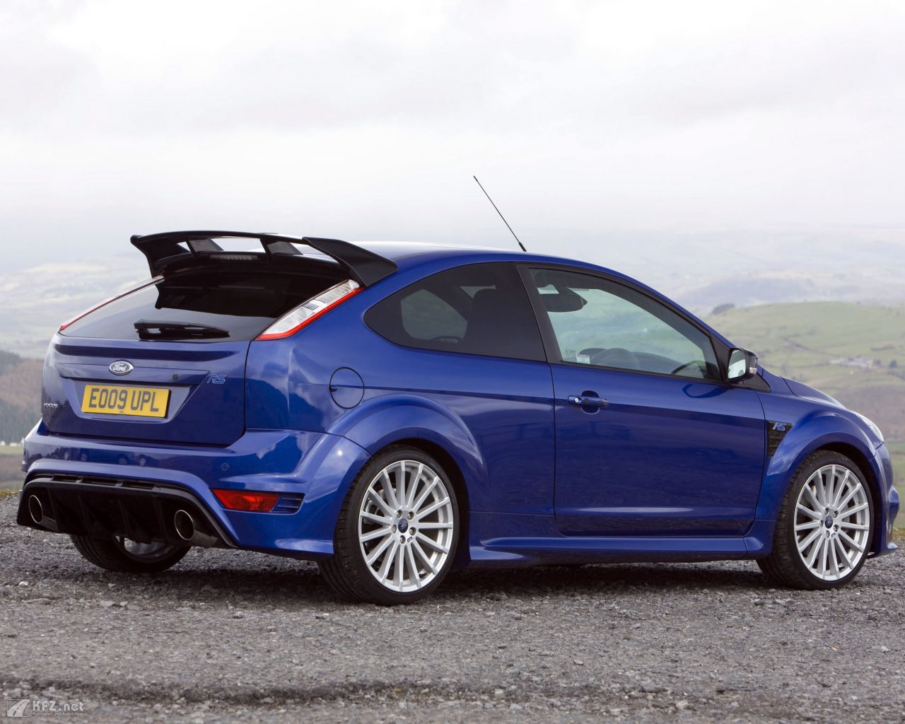 ford-focus-1280x1024-18