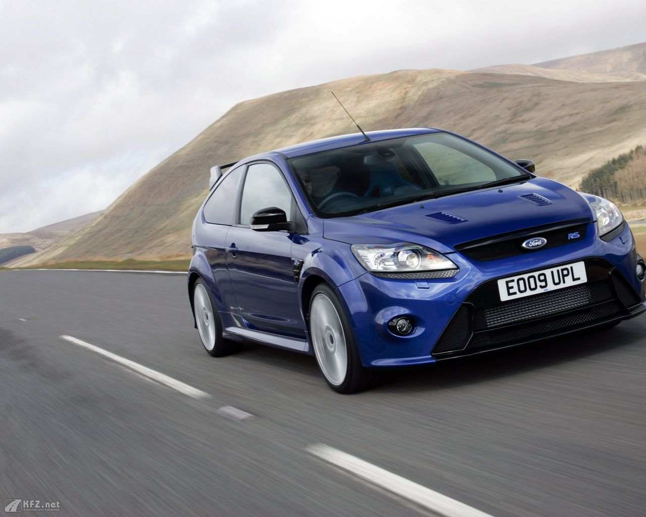 ford-focus-1280x1024-20