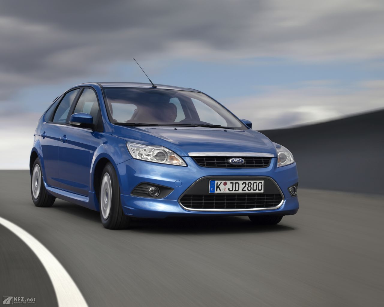 ford-focus-1280x1024-3