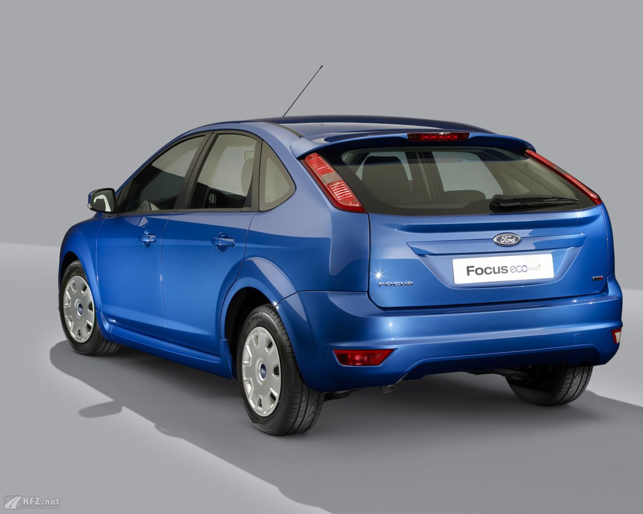 ford-focus-1280x1024-4