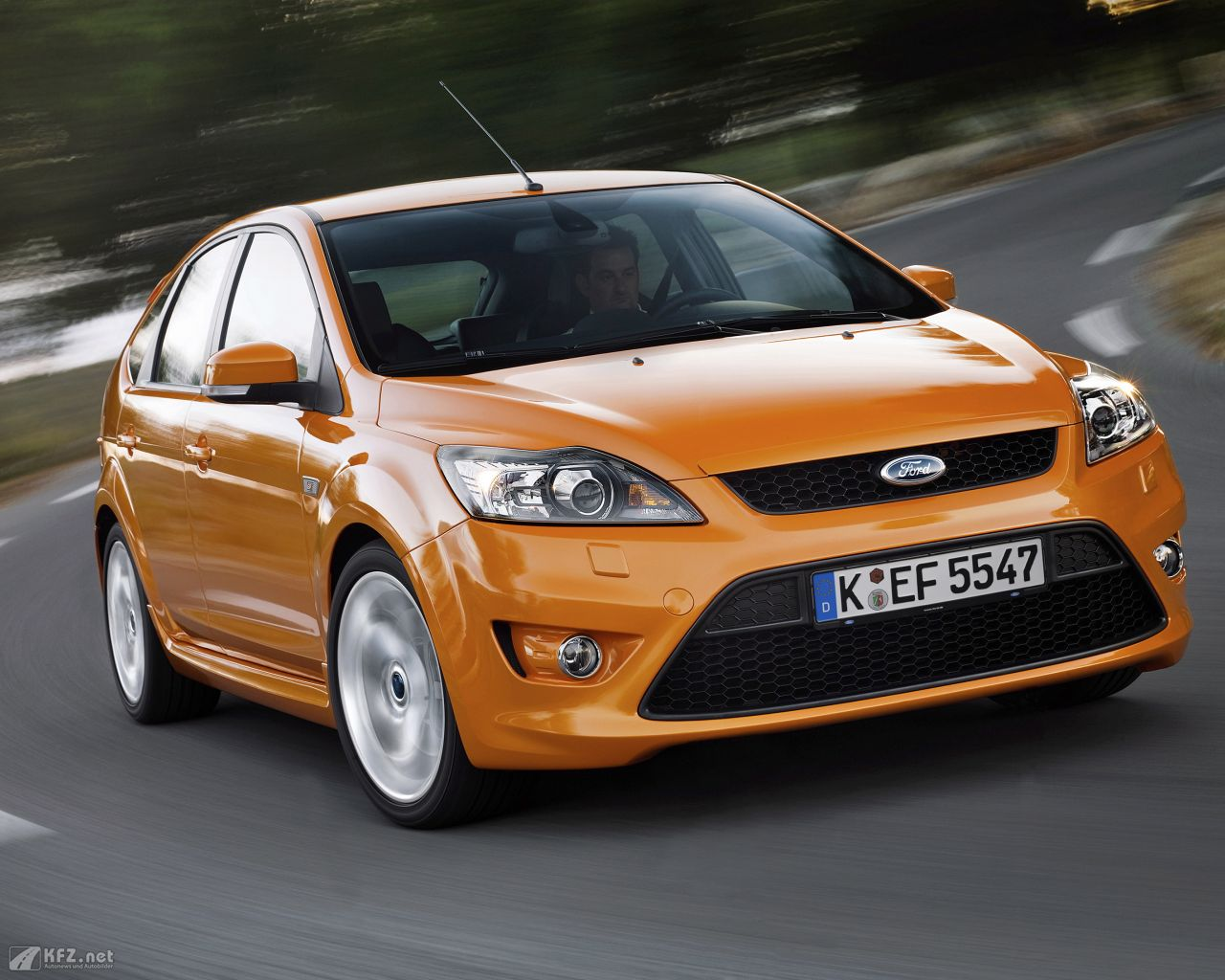 ford-focus-1280x1024-8