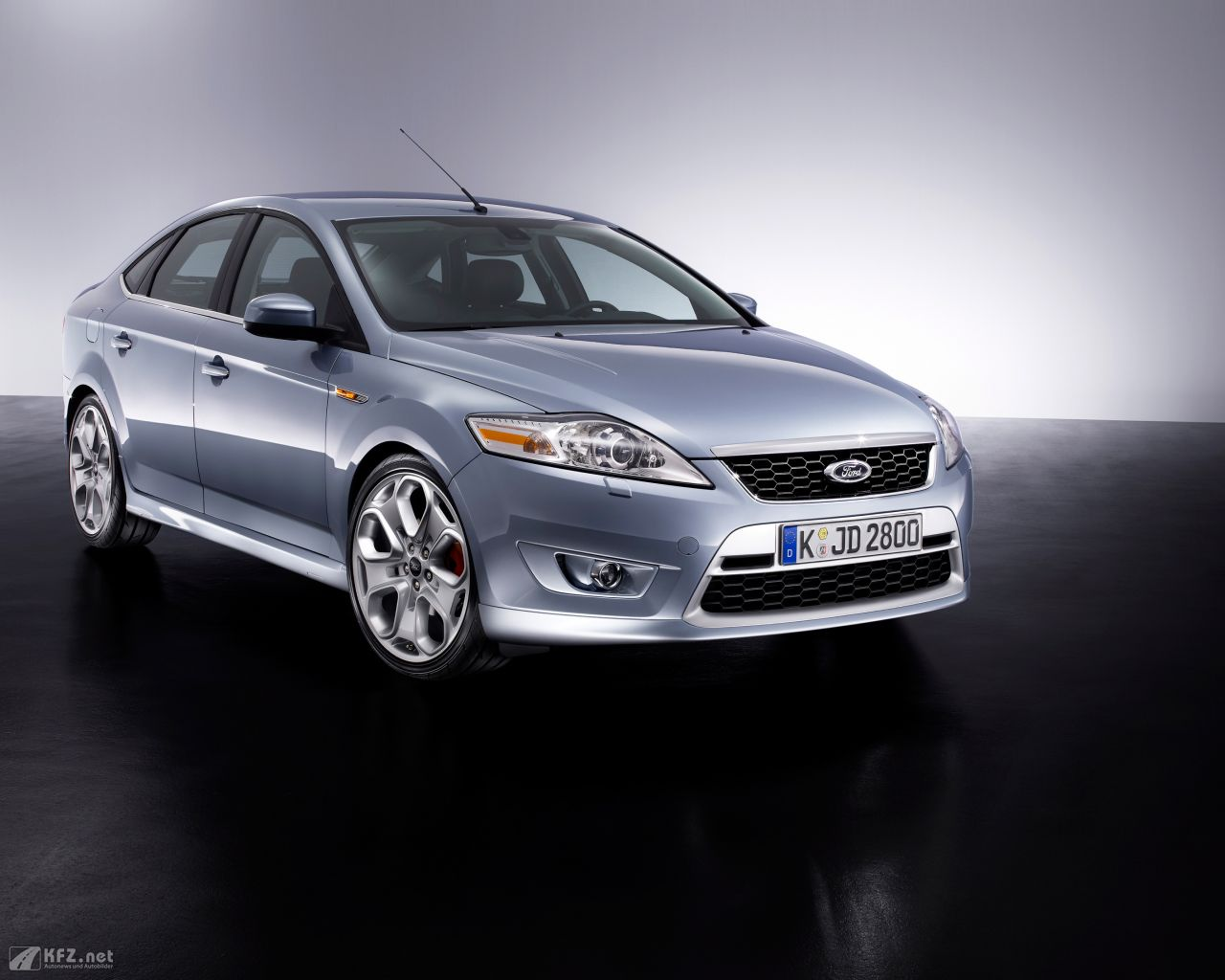 ford-mondeo-1280x1024-10