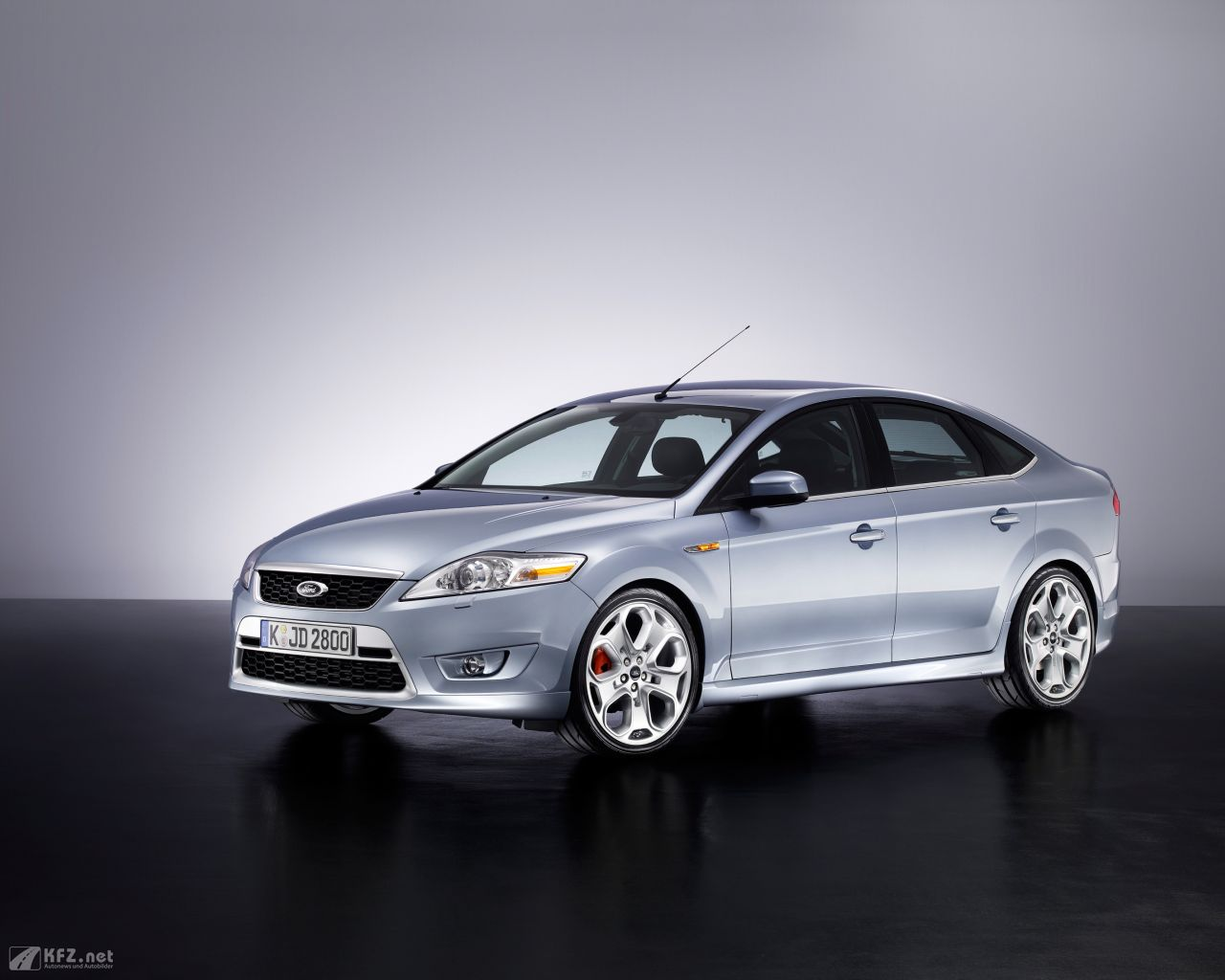 ford-mondeo-1280x1024-11