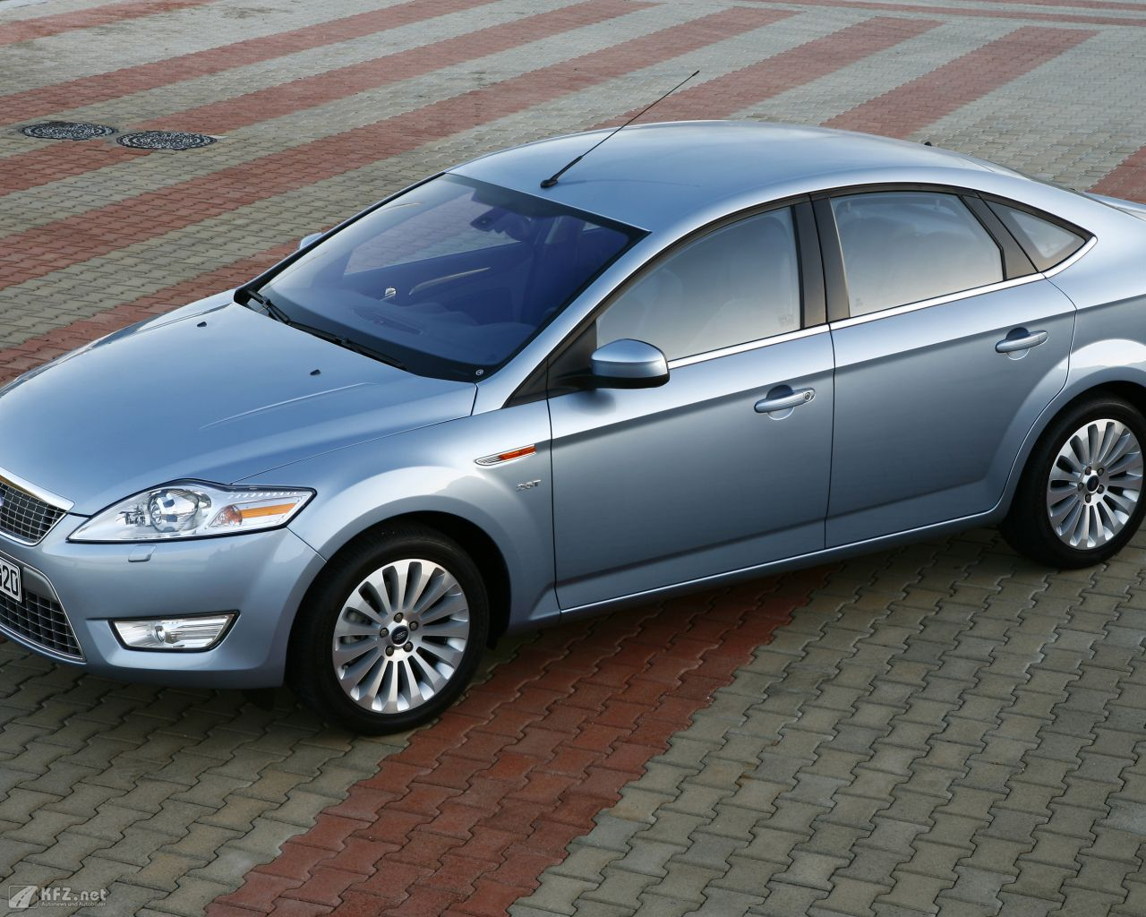 ford-mondeo-1280x1024-16