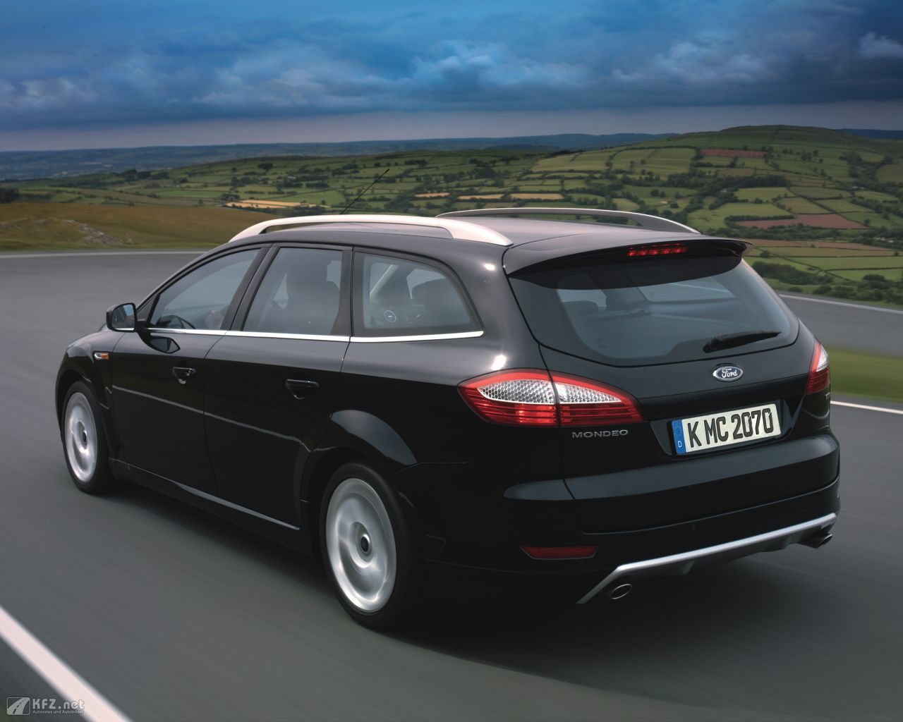 ford-mondeo-1280x1024-20