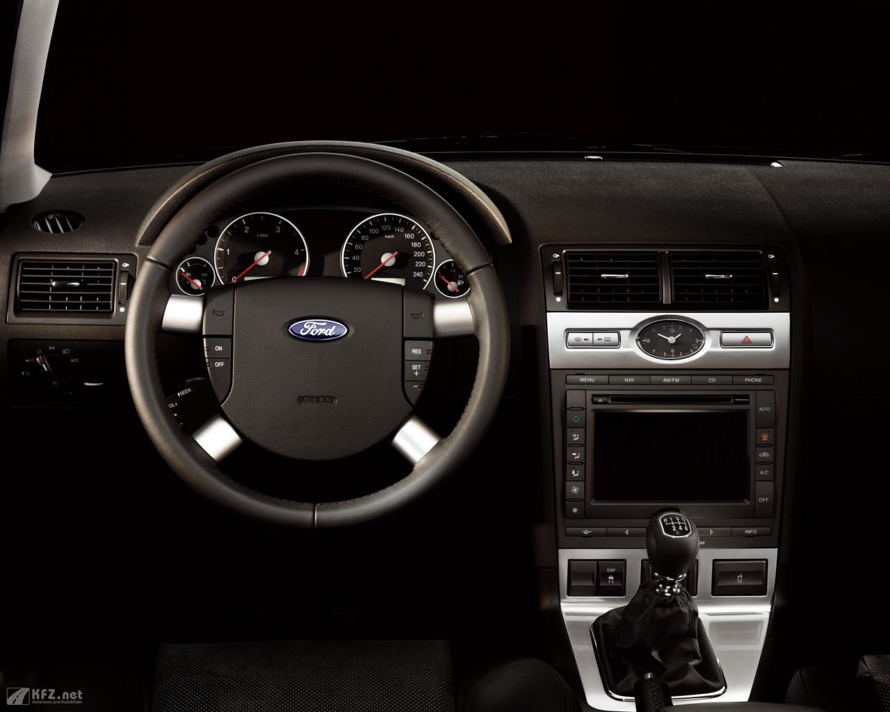 ford-mondeo-1280x1024-6