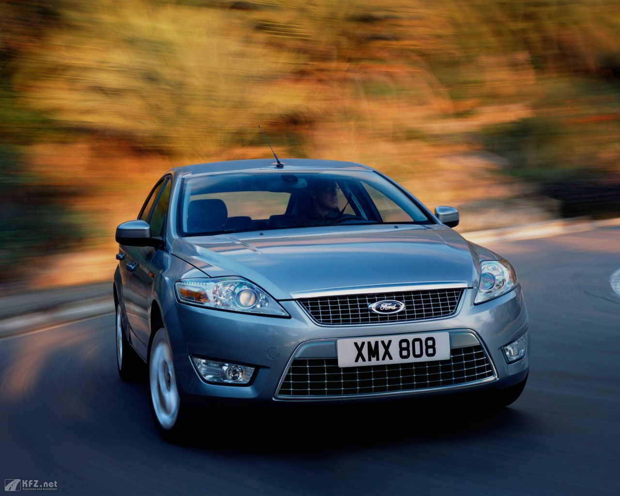 ford-mondeo-1280x1024-9