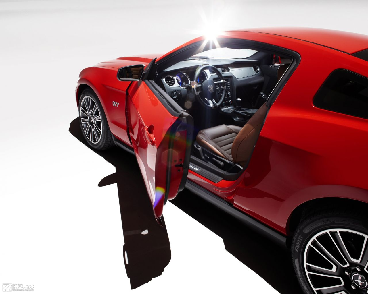 ford-mustang-1280x1024-13