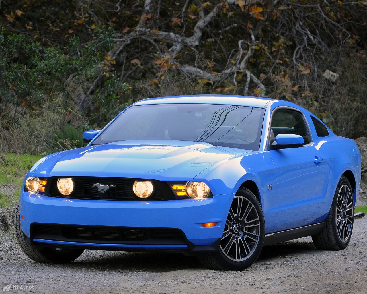 ford-mustang-1280x1024-18
