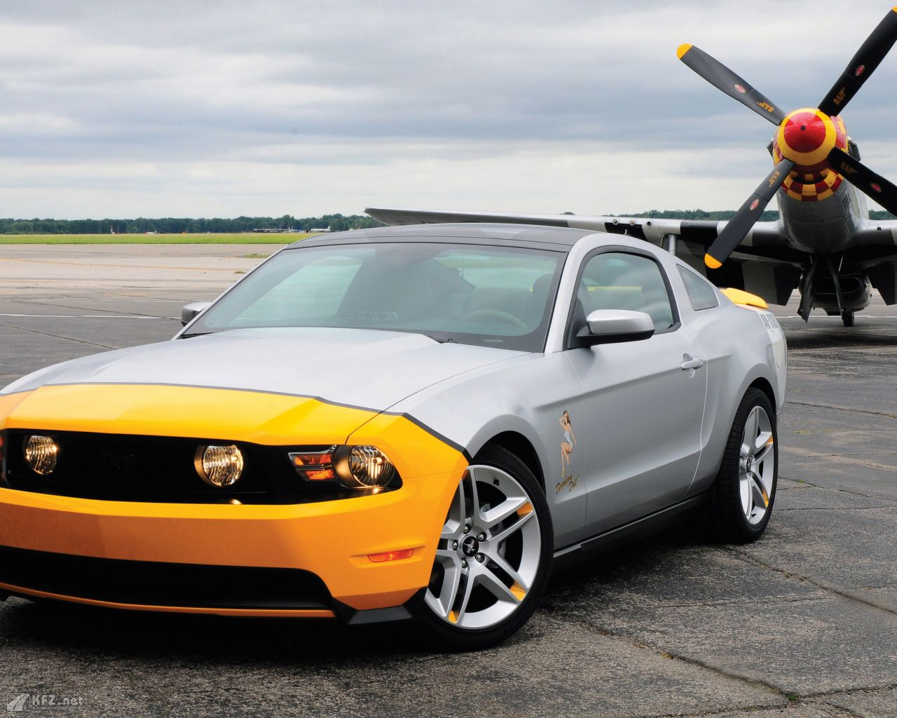 ford-mustang-1280x1024-19