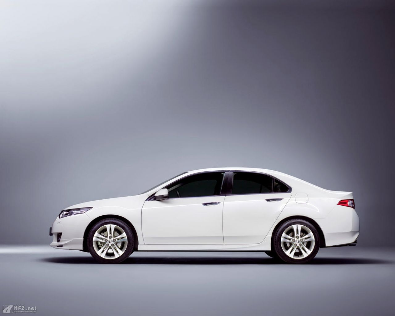 honda-accord-1280x1024-161