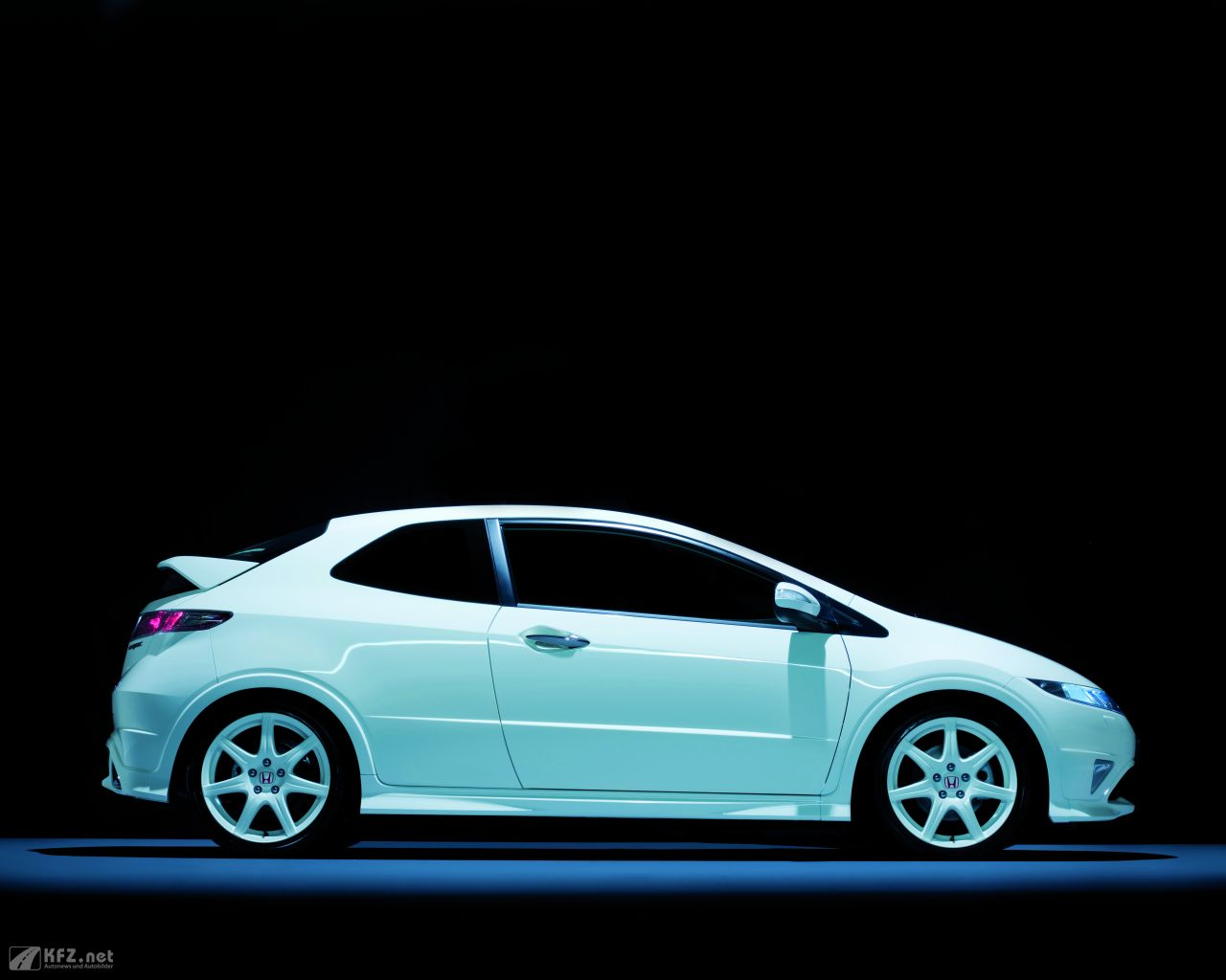 honda-civic-1280x1024-131