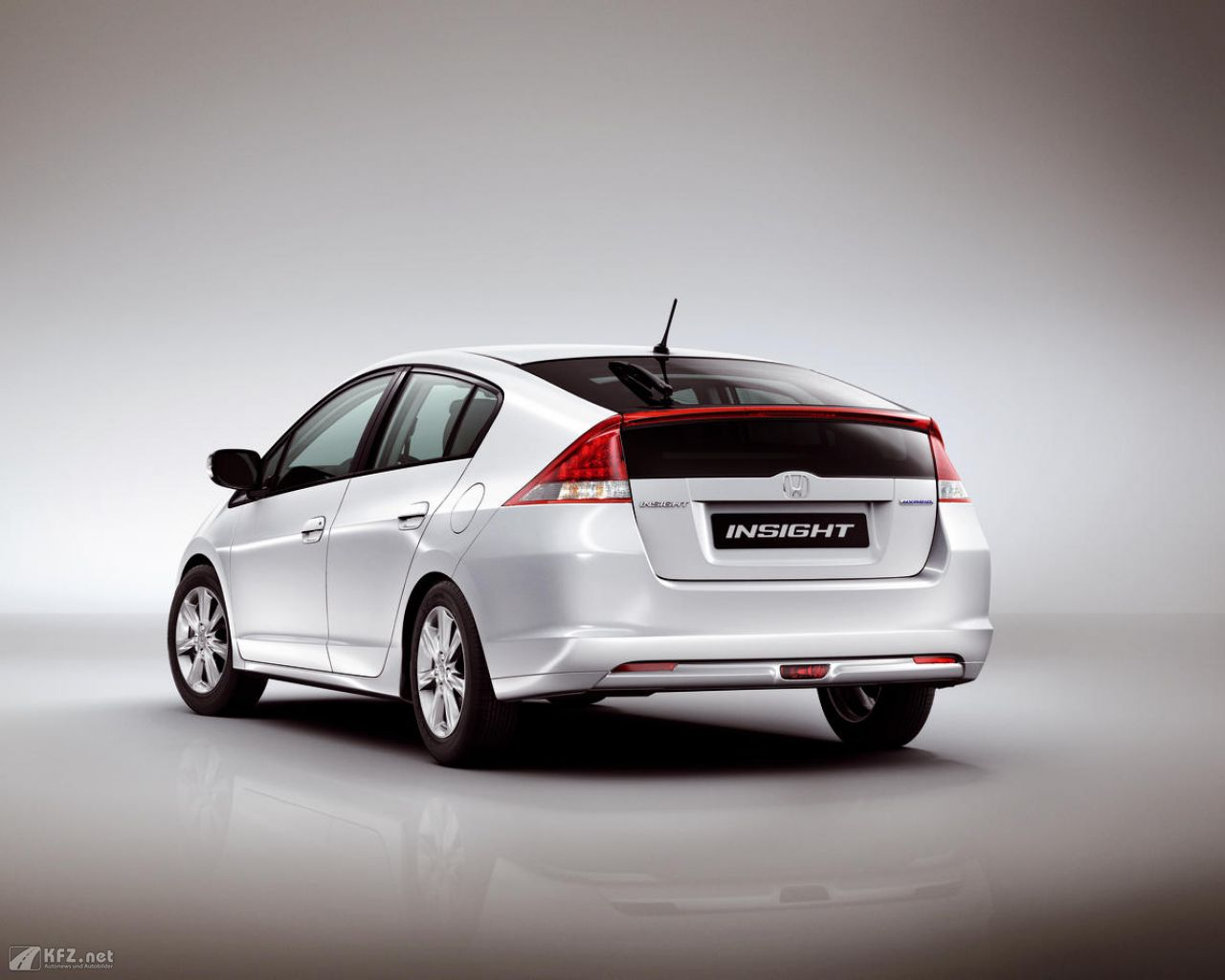 honda-insight-1280x1024-131